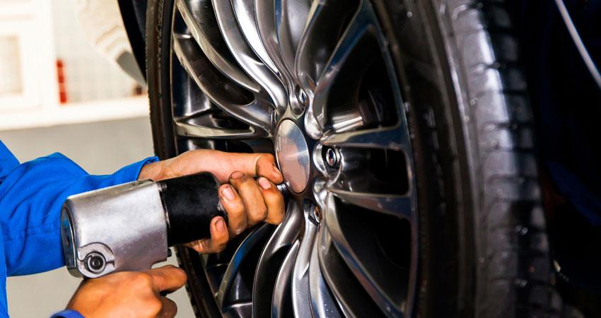 Van Nuys Auto Repair   Car Mechanics   Contact Van Nuys Auto